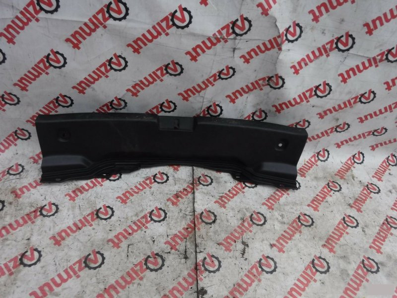 Накладка замка багажника Toyota Porte NNP10 задняя (б/у)