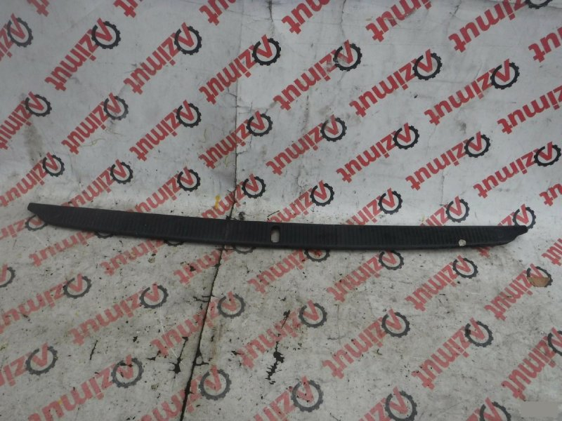 Накладка замка багажника Toyota Carina Ed ST200 задняя (б/у) 515