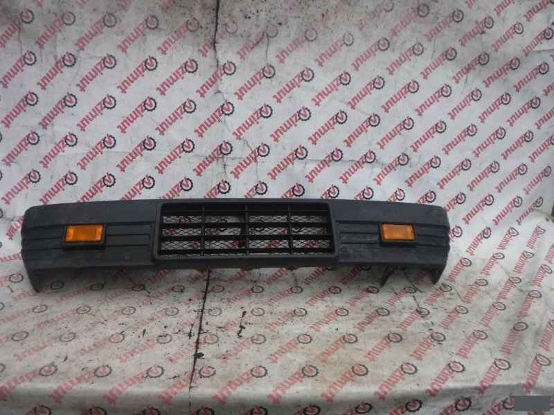 Бампер Mitsubishi Delica L039G 1991г. передний (б/у) 543