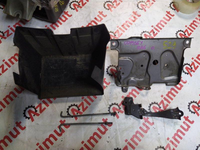 Подставка под аккумулятор Honda Odyssey RA6 F23A 2000 (б/у) 529