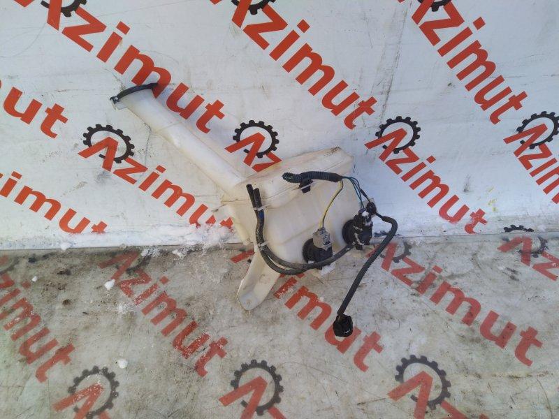Бачок омывателя Toyota Ractis NCP120 2011 (б/у) 630