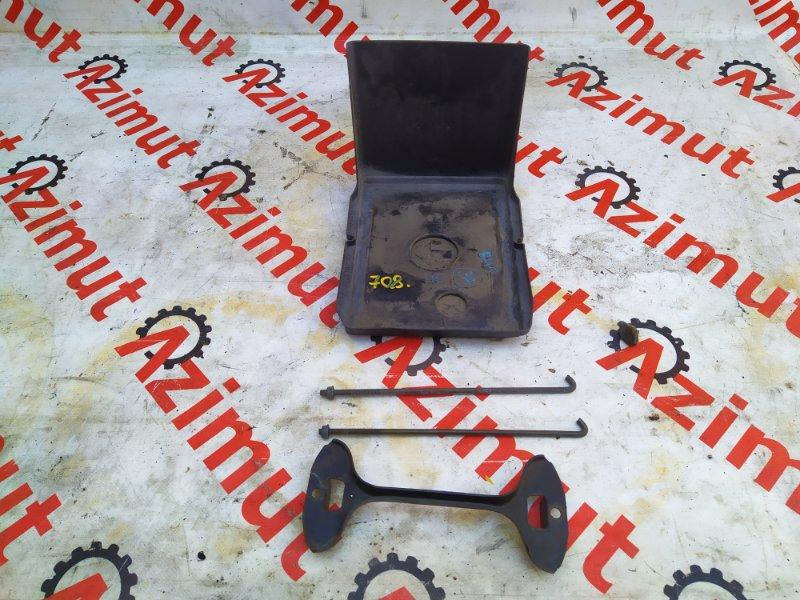 Подставка под аккумулятор Subaru Legacy BH5 EJ206DX 2002 (б/у) 708