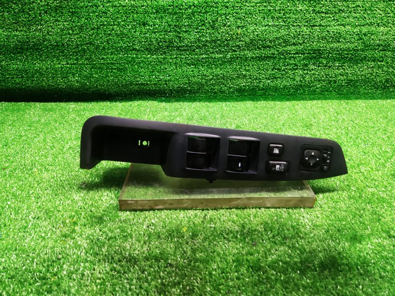 Пульт стеклоподъемника Mitsubishi Outlander CW5W передний правый (б/у)
