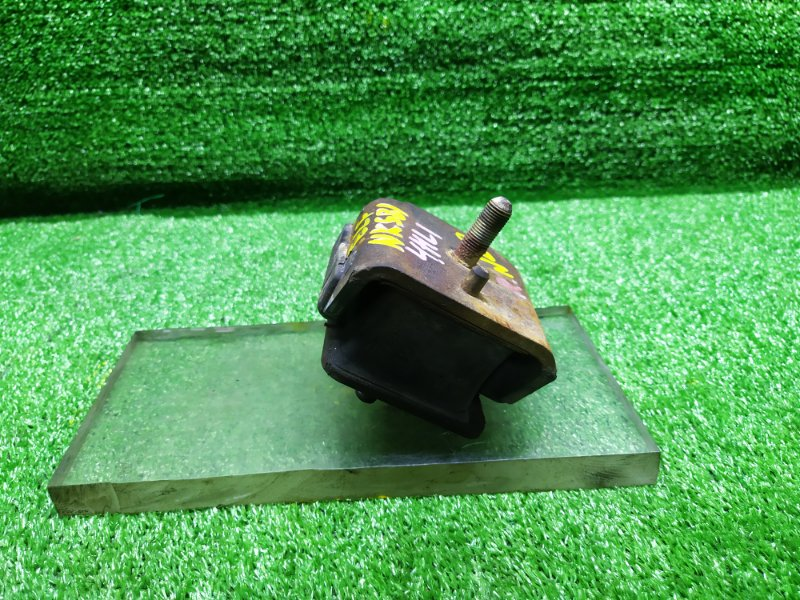 Подушка двигателя Nissan.isuzu Atlas.elf AKS81 4HL1 2004 правая (б/у) 20
