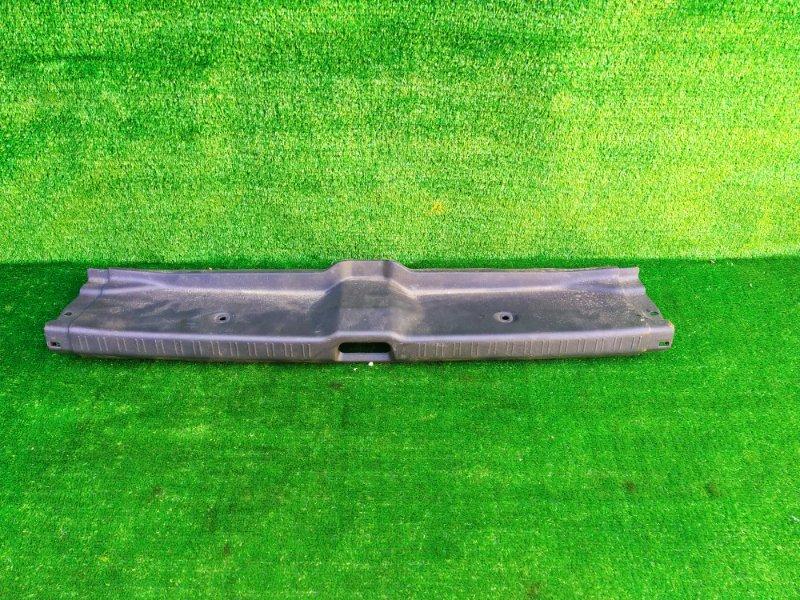 Накладка замка багажника Toyota Corolla AE110 (б/у)