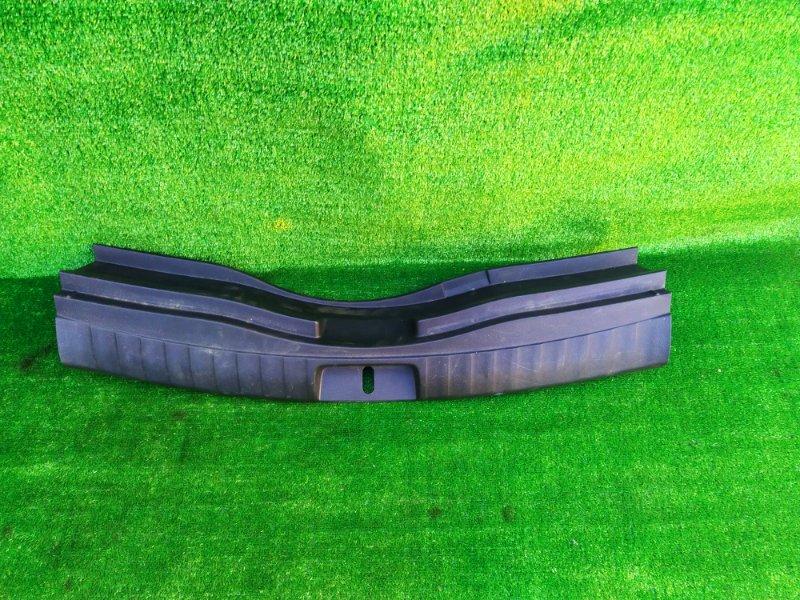 Накладка замка багажника Toyota Ractis NCP120 (б/у)