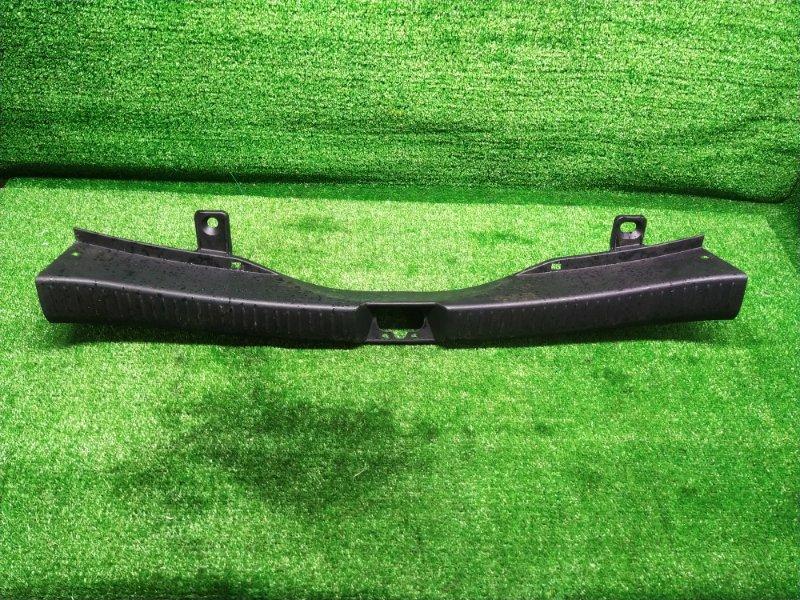 Накладка замка багажника Mazda Premacy CREW LFDE 2005 (б/у) 644