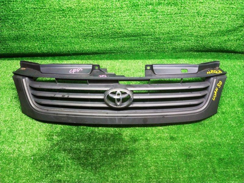 Решетка радиатора Toyota Noah CR52 3C-E 2002 (б/у) 53100-28210 823