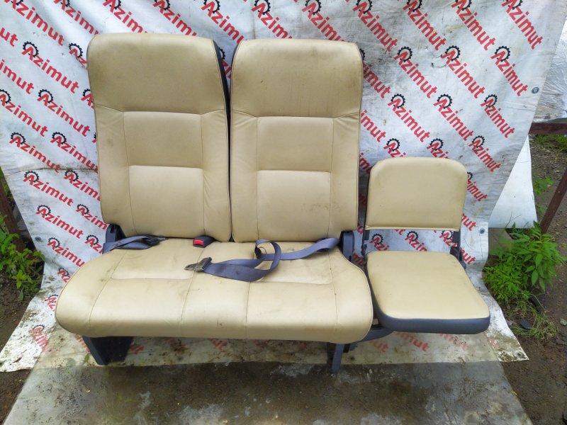 Сиденье Nissan Caravan DWMGE25 2003 заднее (б/у)