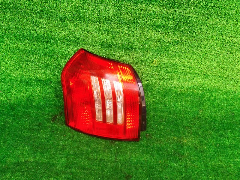 Стоп-сигнал Toyota Runx NZE121 левый (б/у) 918 13-77