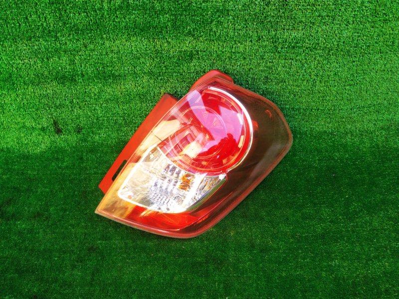 Стоп-сигнал Toyota Ractis NCP100 правый (б/у) 984 52-192