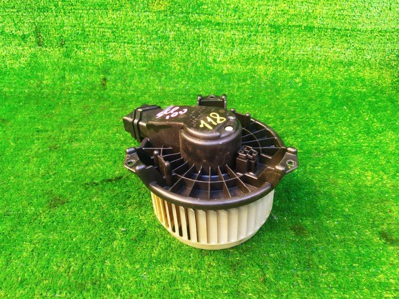 Мотор печки Toyota Ractis SCP100 (б/у) 118