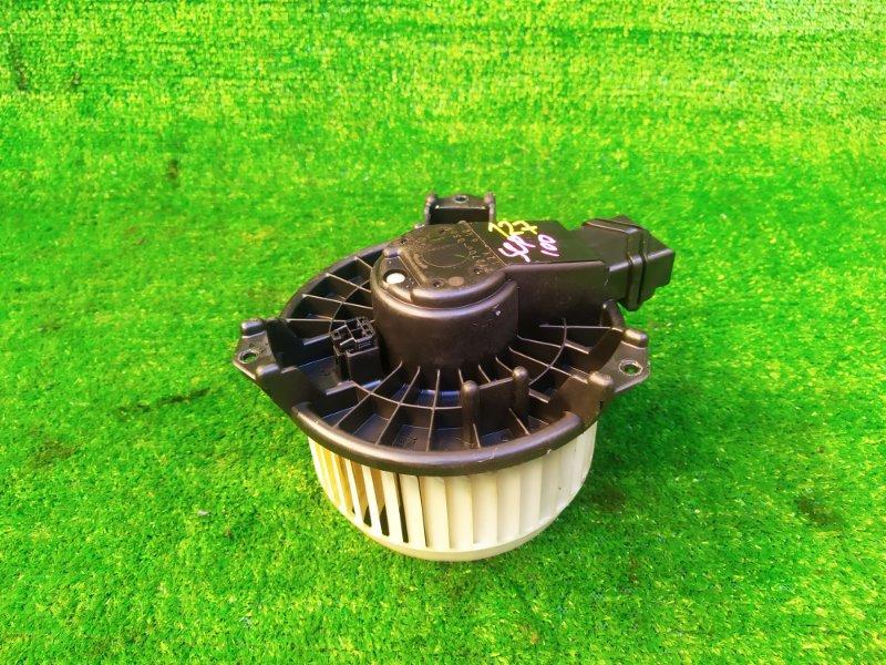 Мотор печки Toyota Ractis SCP100 (б/у) 127