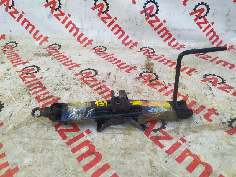 Домкрат Toyota Ractis SCP100 (б/у) 131
