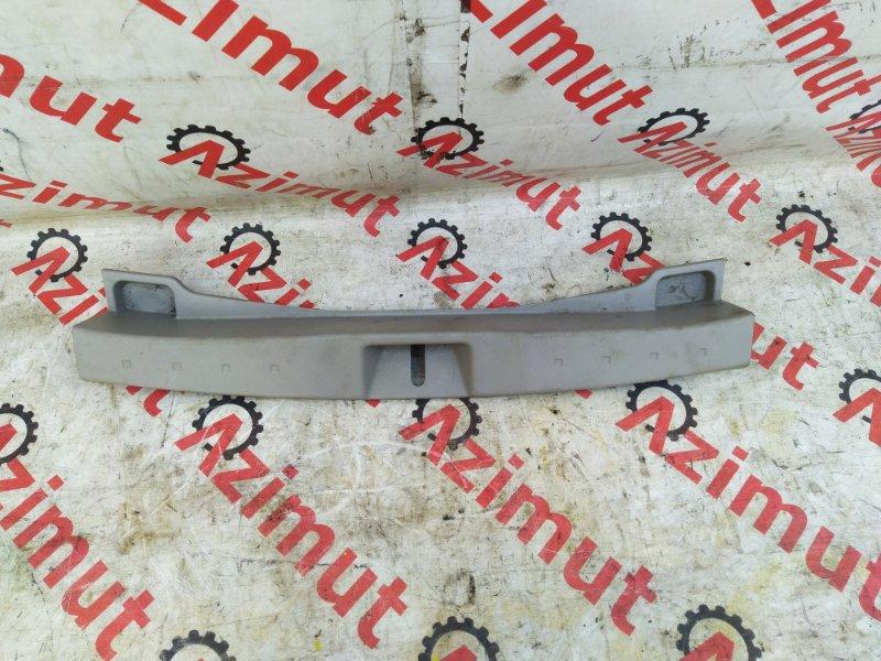 Накладка замка багажника Toyota Passo KGC30 (б/у) 284