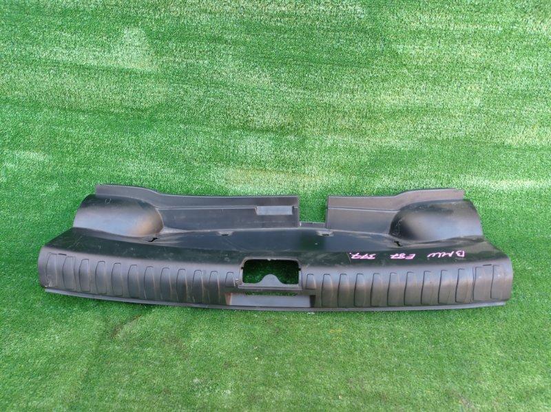 Накладка замка багажника Bmw 1-Series E87 N45B16A 2007 (б/у)