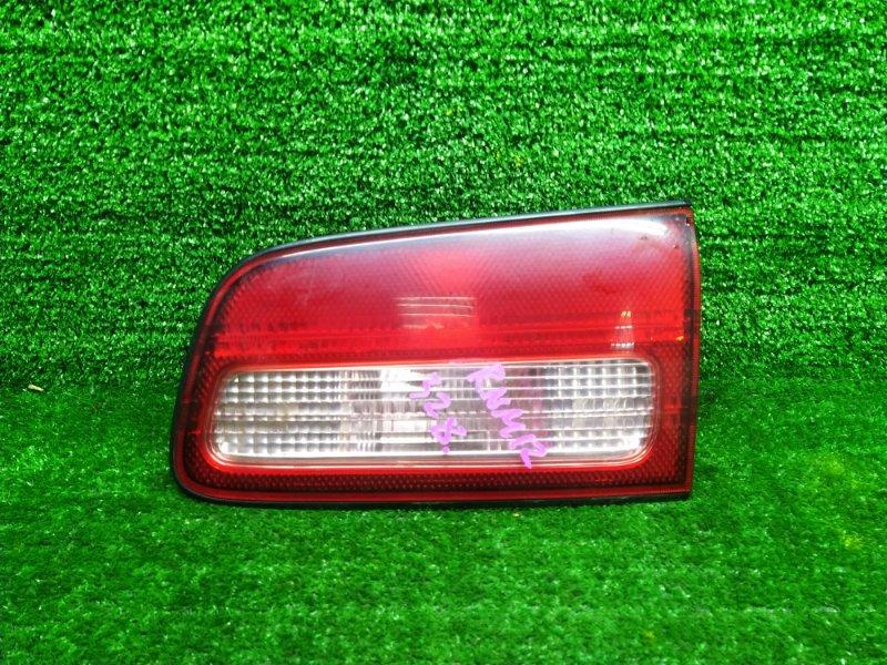 Стоп-вставка Nissan Liberty RNM12 QR20-DE 2003 правая (б/у) 4853