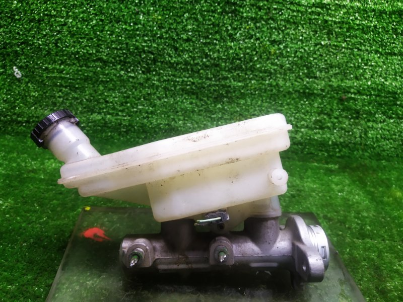 Главный тормозной цилиндр Nissan Tiida C11 HR15DE 2008 (б/у)