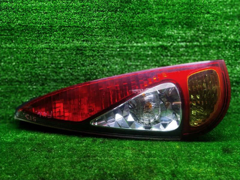 Стоп-сигнал Toyota Funcargo NCP25 1NZFE 2002 левый (б/у)