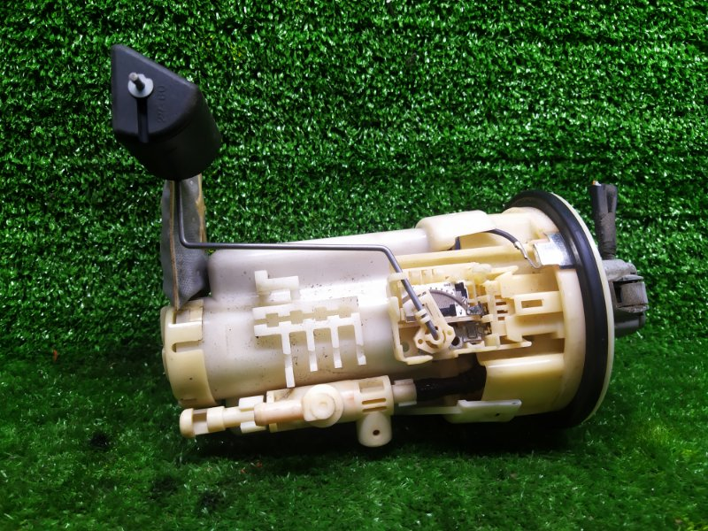 Бензонасос Toyota Voxy ZRR75G 3ZRFAE 2008 (б/у)