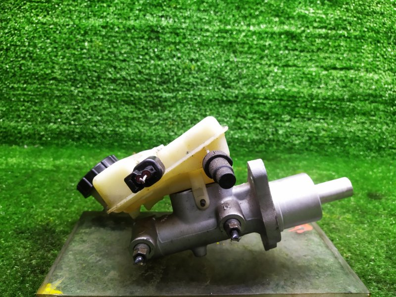 Главный тормозной цилиндр Mazda Axela BKEP LFVE 2006 (б/у)