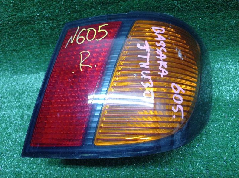 Стоп-сигнал Nissan Bassara JTNU30 QR25DE 2002 задний правый (б/у)
