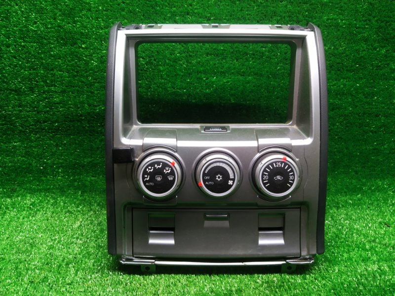 Консоль магнитофона Mitsubishi Delica D5 CV5W 4B12 09/2007 (б/у)