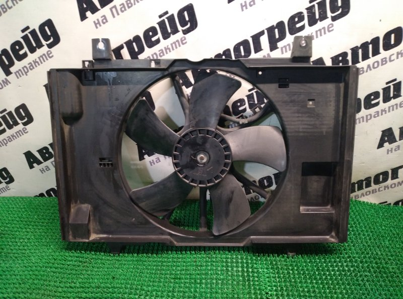 Диффузор радиатора Nissan Tiida Latio SC11 HR15DE