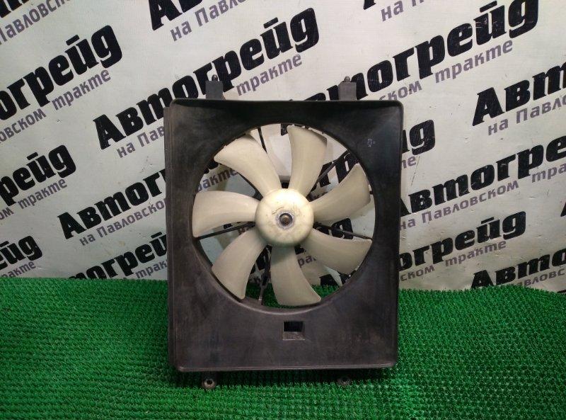 Диффузор радиатора кондиционера Honda Stream RN1 D17A