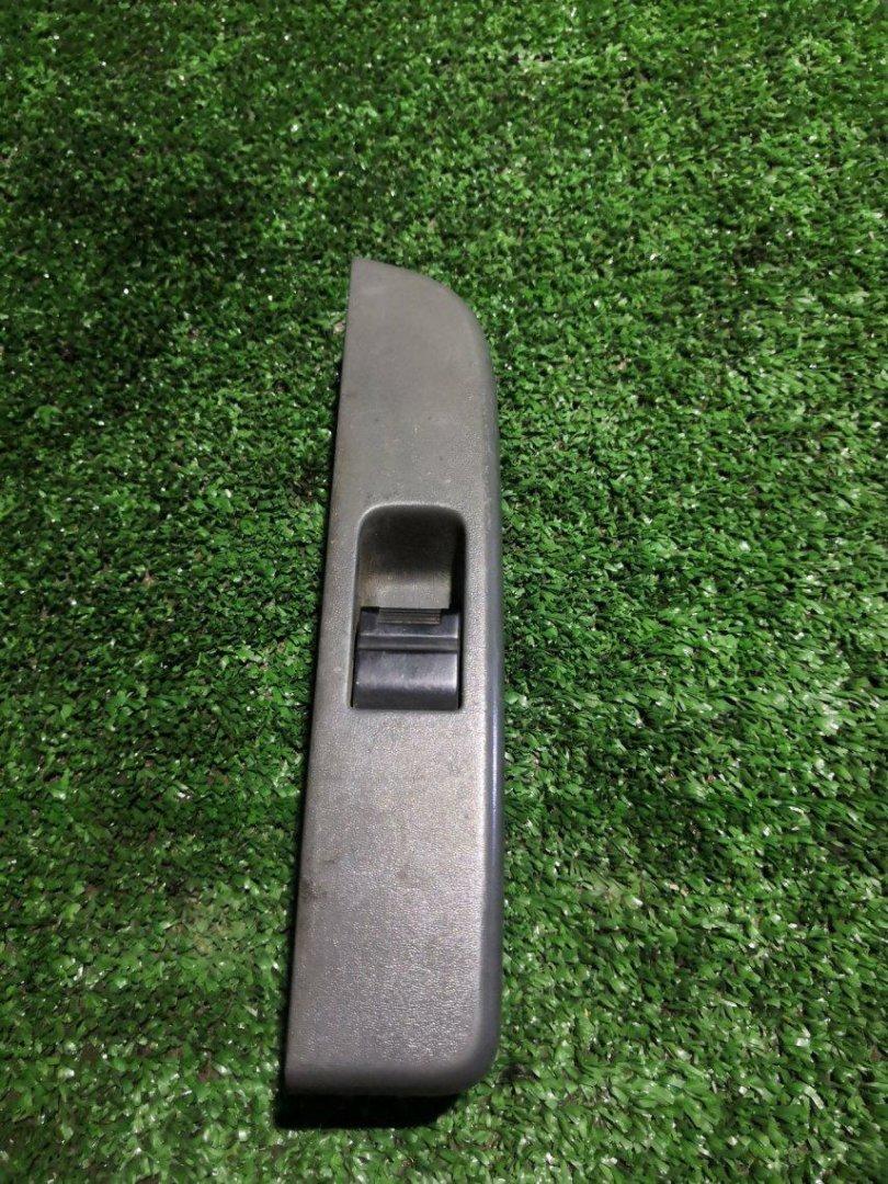 Блок управления стеклоподъемниками Isuzu Elf NJR85 4JJ1 передний левый (б/у)