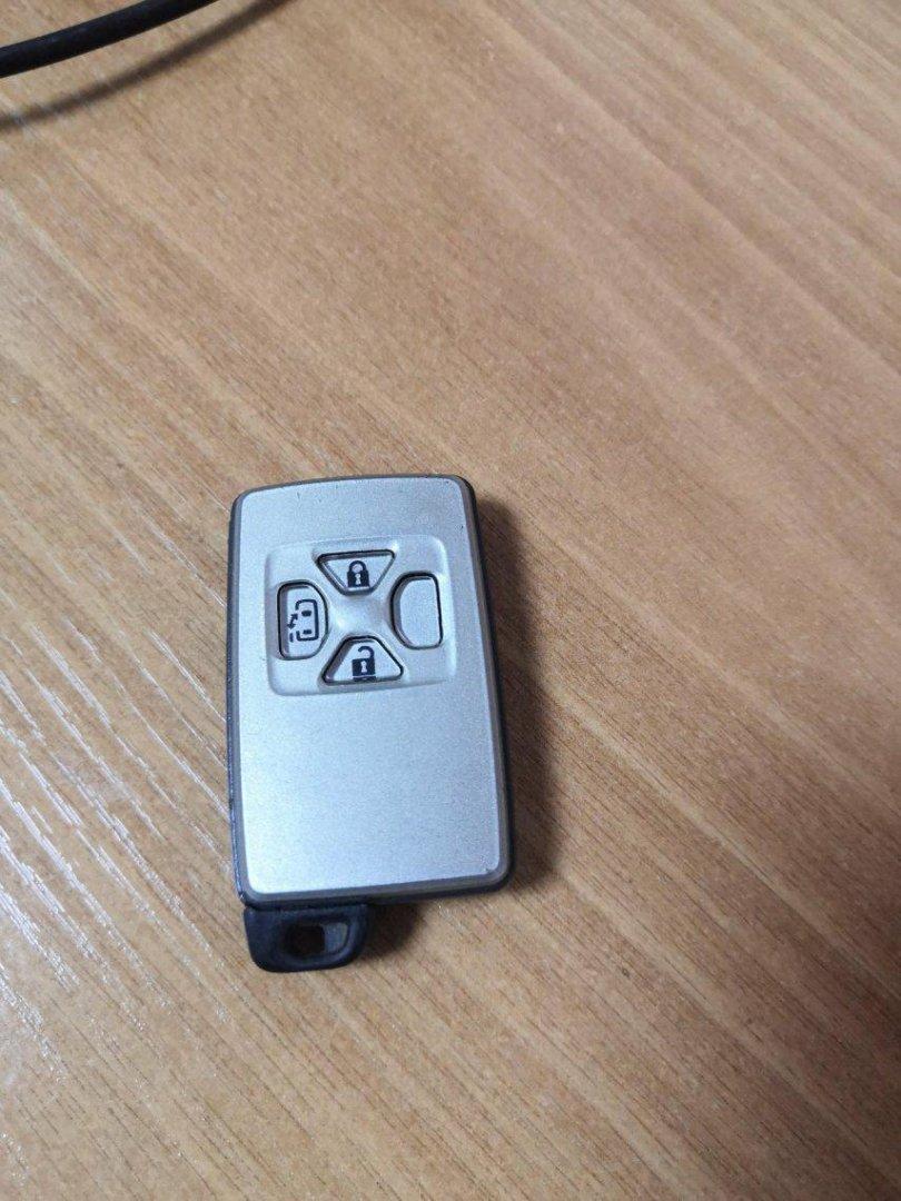 Ключ зажигания Toyota Estima AHR20 2AZ (б/у)