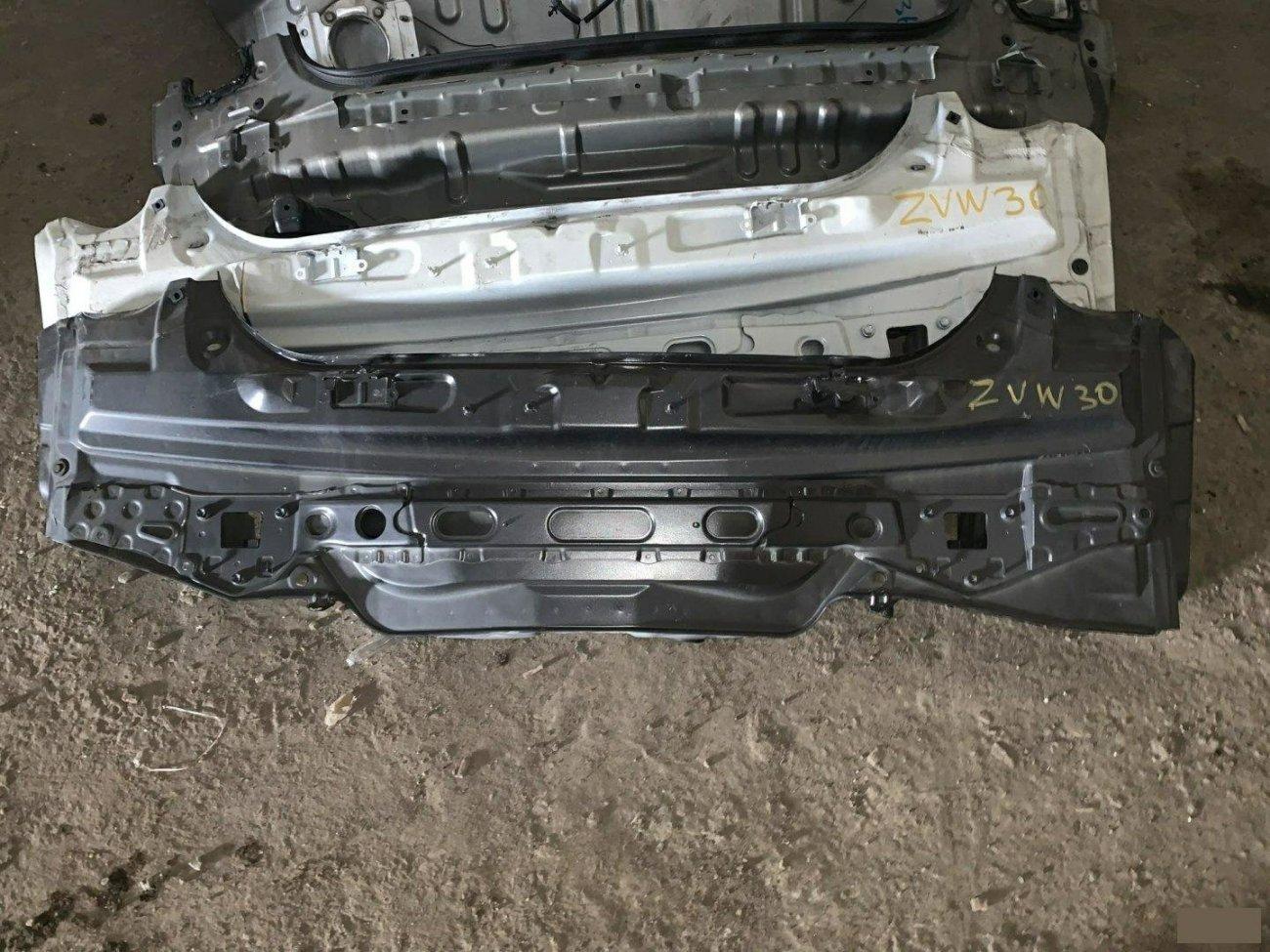 Тазик железный Toyota Prius ZVW30 2ZR (б/у)