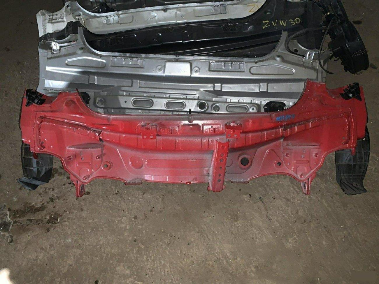 Тазик железный Toyota Aqua NHP10 1NZFXE (б/у)
