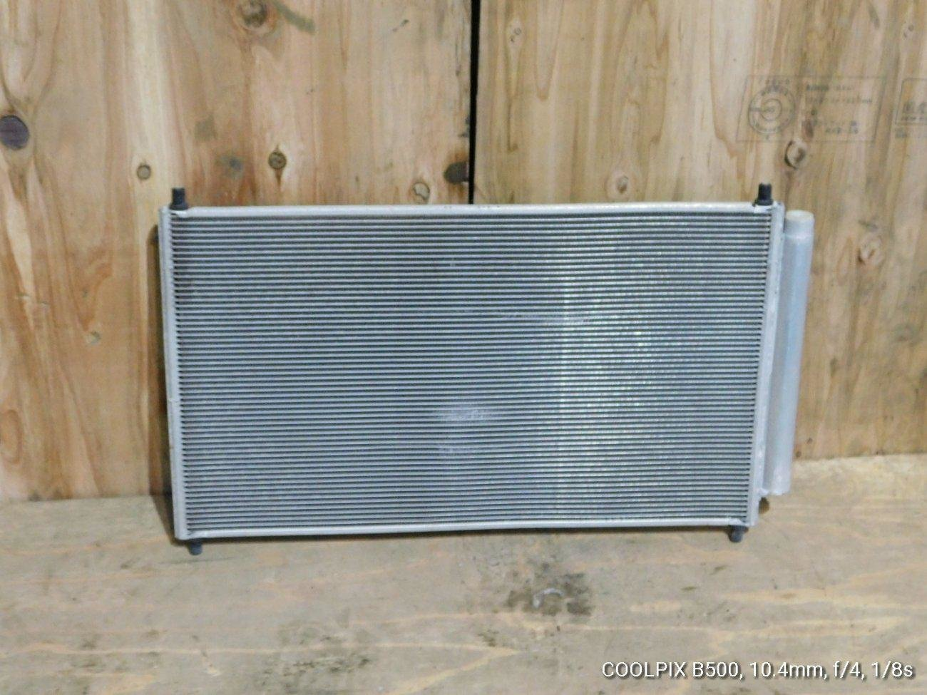 Радиатор кондиционера Toyota Aqua NHP10 1NZFXE (б/у)