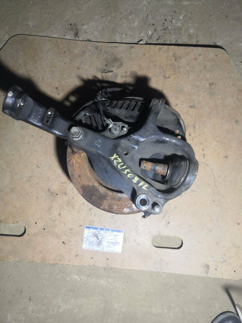 Ступица Toyota Dyna XZU508 N04CT передняя левая (б/у)