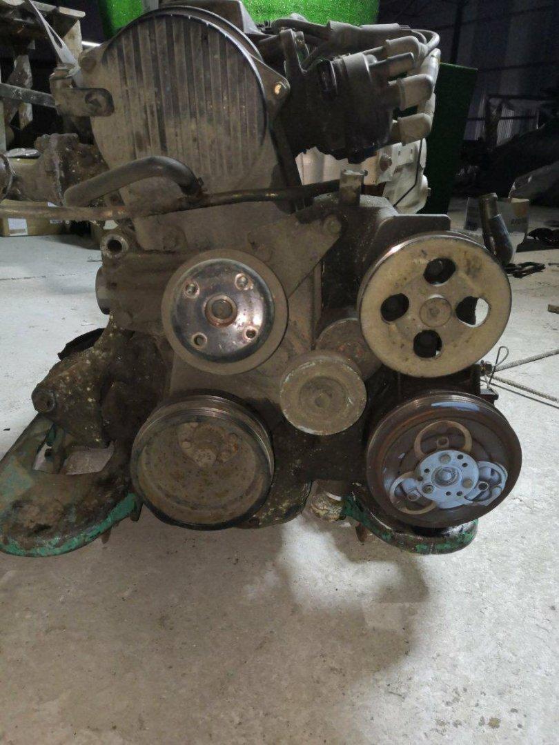 Лобовина двс Mazda Bongo SK82T F8 (б/у)