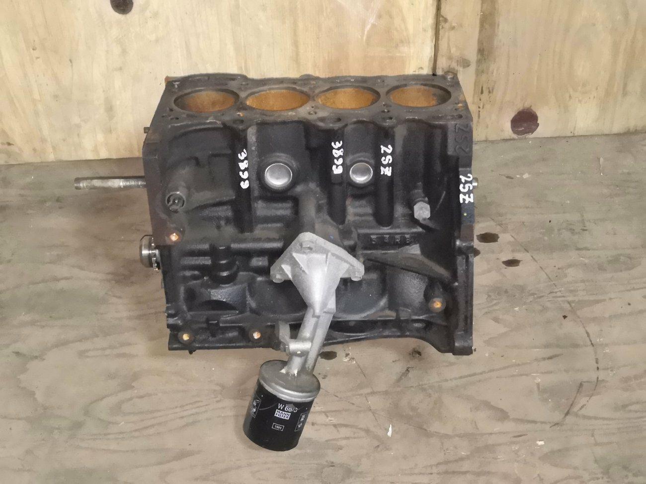 Блок цилиндров Toyota Vitz SCP90 2SZFE (б/у)