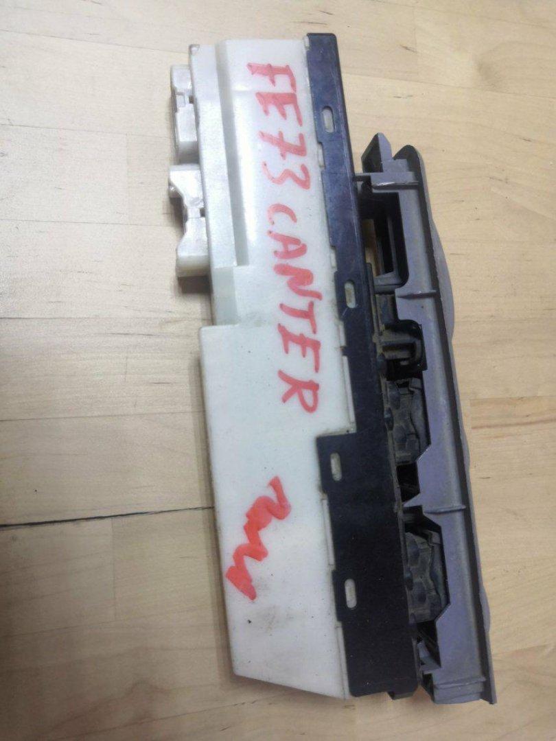Блок управления стеклоподъемниками Mitsubishi Canter FB700 передний левый (б/у)