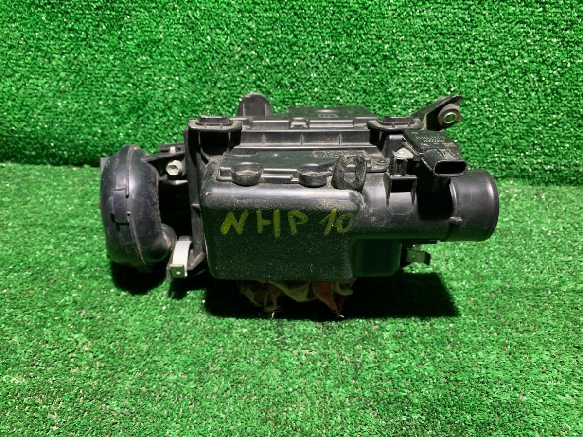 Корпус воздушного фильтра Toyota Aqua NHP10 1NZFXE (б/у)