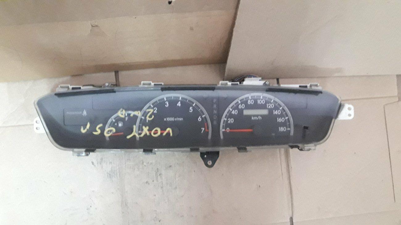 Спидометр Toyota Voxy AZR60 1AZFSE (б/у)