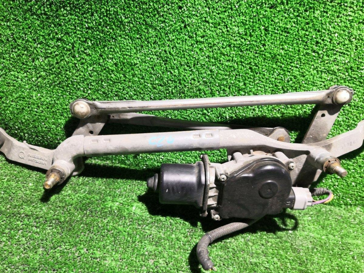 Мотор дворников Nissan Serena C26 MR20DD передний (б/у)