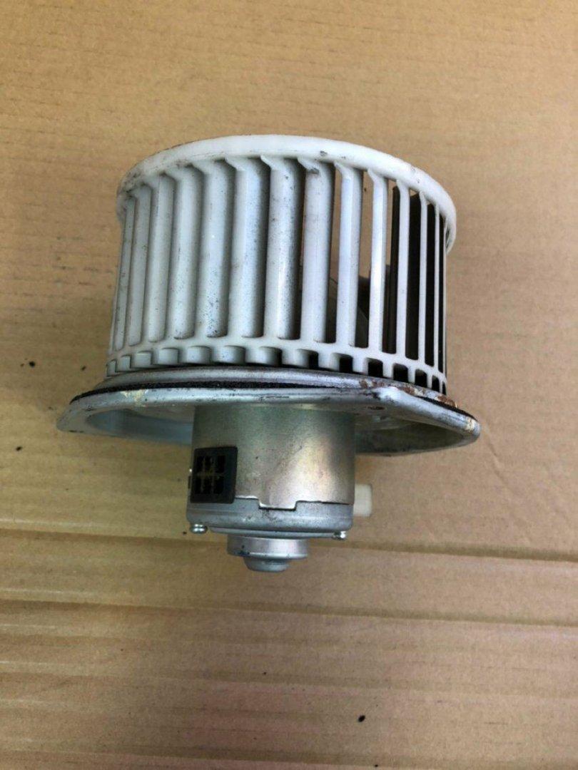 Мотор печки Mitsubishi Minicab U61T (б/у)