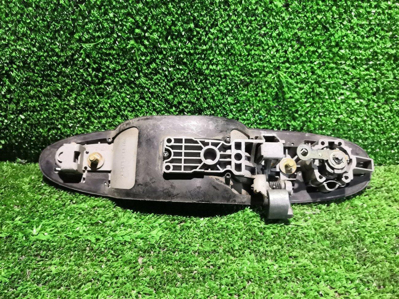 Ручка двери внешняя Mazda Mpv LW3W L3 передняя левая (б/у)