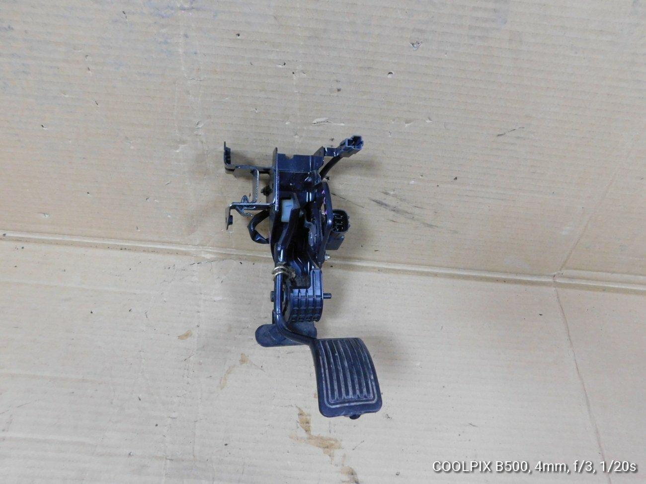 Педаль подачи топлива Hino Ranger FC7 J07E (б/у)
