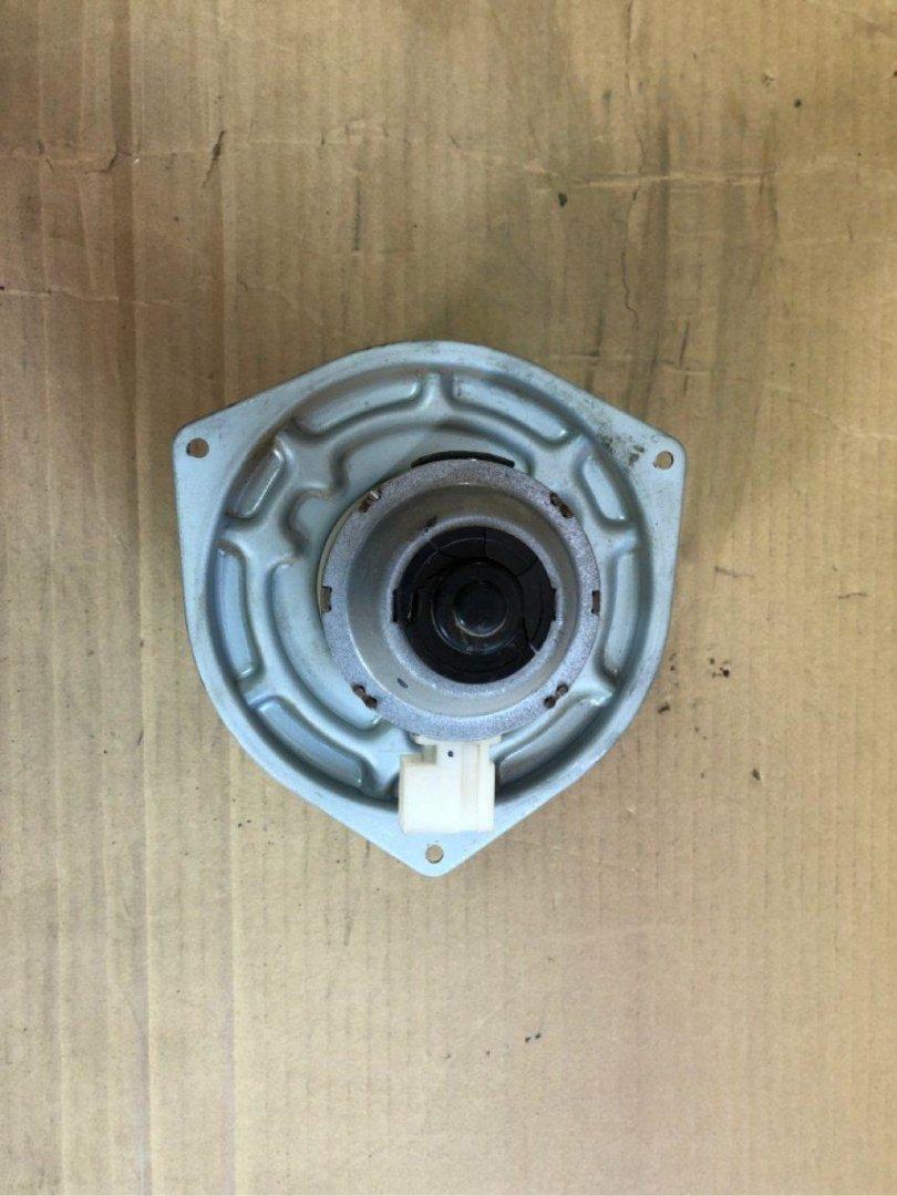 Мотор печки Mitsubishi Minicab U61T 3G83 (б/у)