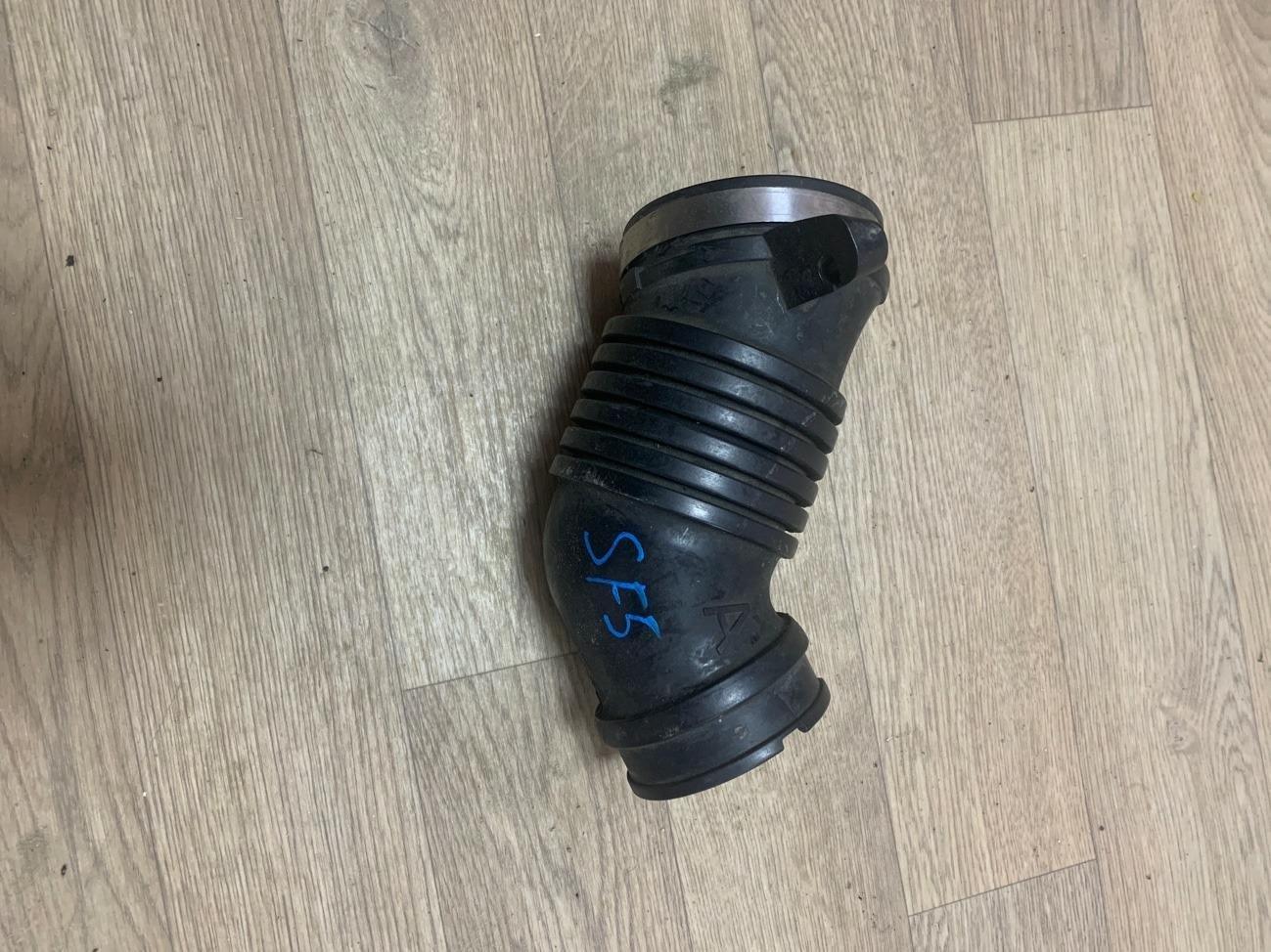 Патрубок воздушного фильтра Subaru Forester SF5 (б/у)