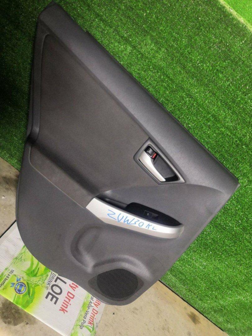 Обшивка дверей Toyota Prius ZVW30 2ZR задняя левая (б/у)