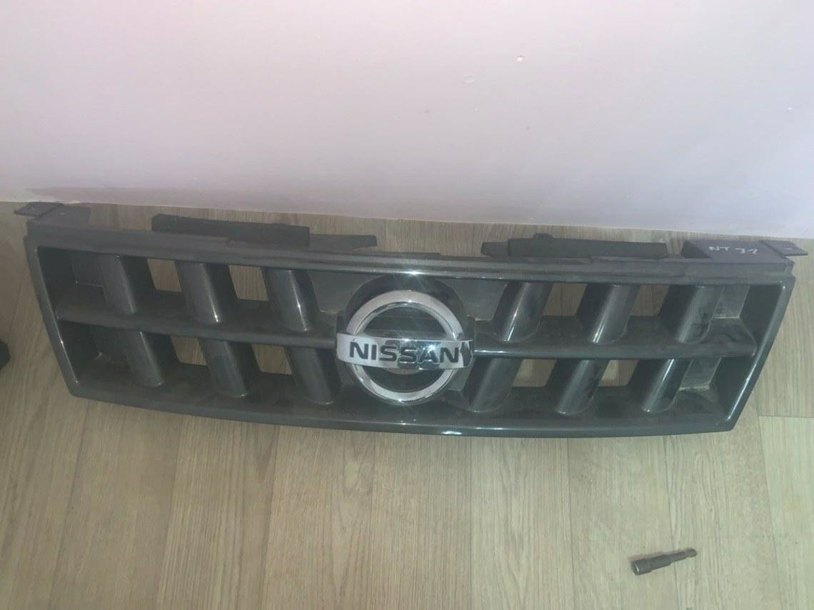 Решетка радиатора Nissan X-Trail NT31 MR20DE (б/у)