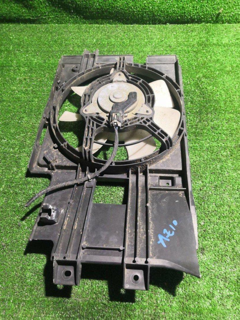 Диффузор радиатора Nissan Cube AZ10 CGA3 (б/у)