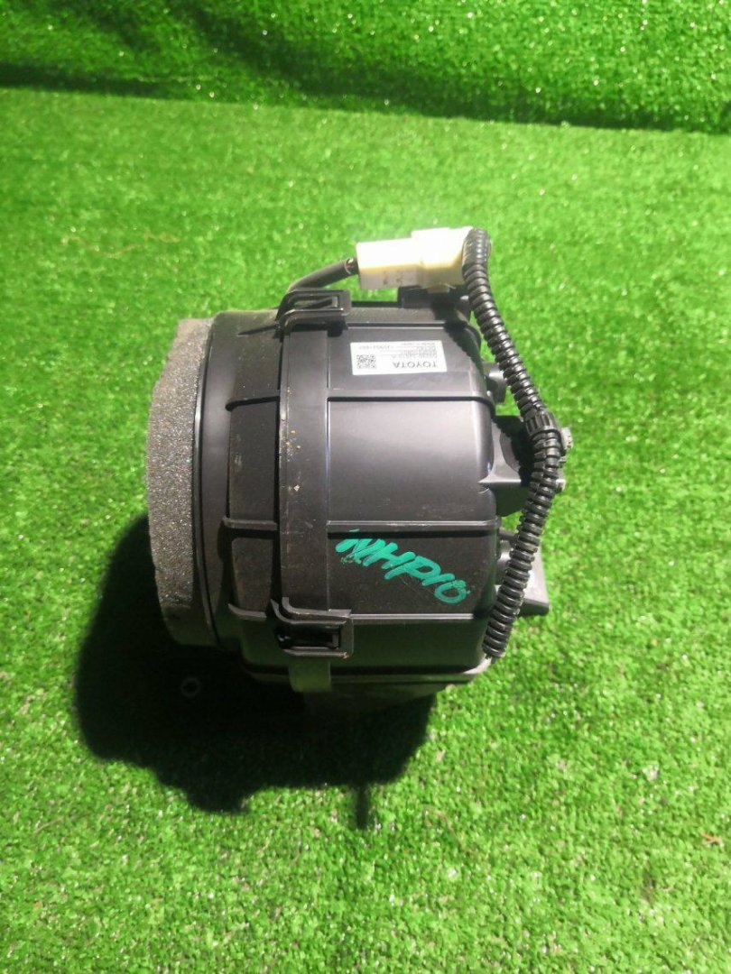 Мотор охлаждения батареи Toyota Aqua NHP10 1NZFXE (б/у)